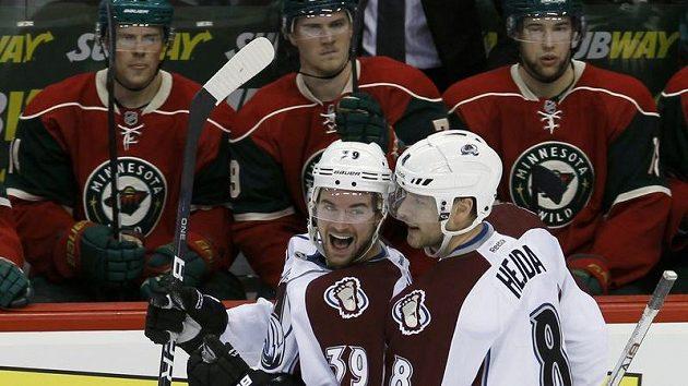 Jan Hejda (vpravo) se raduje z gólu do sítě Minnesoty.