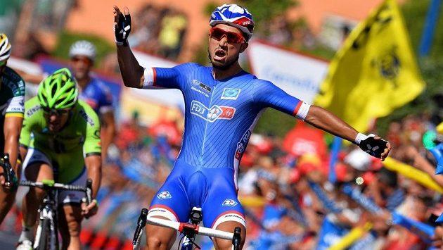 Francouzský cyklista Nacer Bouhanni si připsal druhý triumf na letošní Vueltě