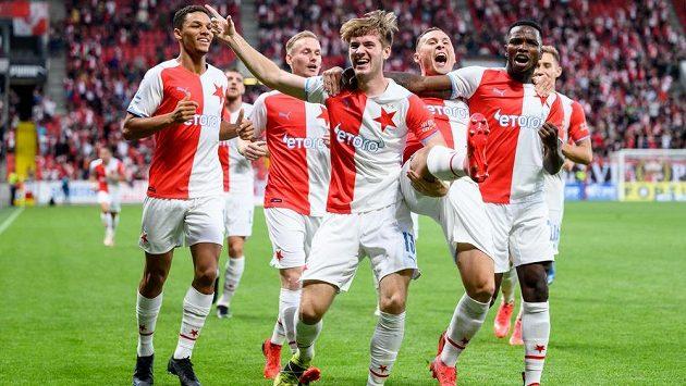 Slavia si v závěru zápasu se Slováckem prožila znovu hektiku, výhru ale tentokrát uhájila.
