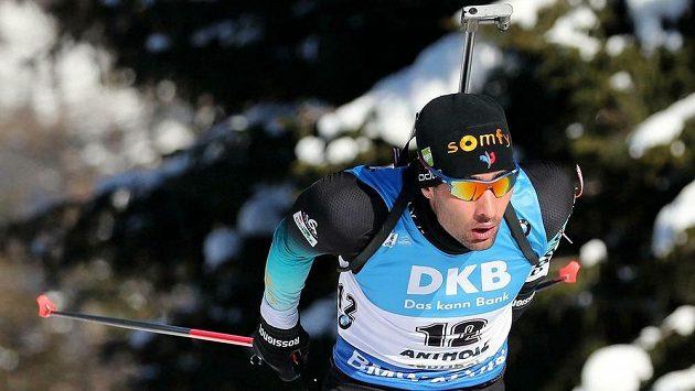 Martin Fourcade na trati závodu ve sprintu při Světovém poháru v italské Anterselvě.