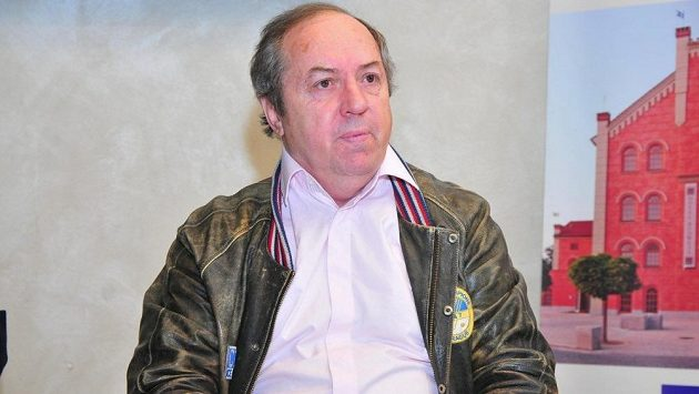 Legenda československého hokeje Milan Nový.
