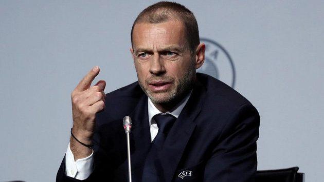 Prezident UEFA Aleksander Čeferin na tiskové konferenci