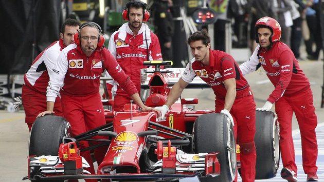 Ve stáji Ferrari letos není mnoho důvodů k radosti.