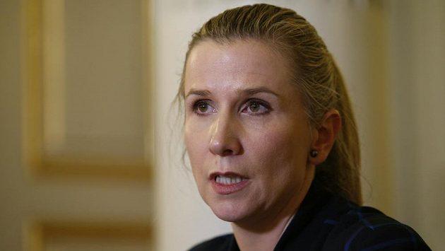 Kateřina Valachová na tiskové konferenci ke kauze rozdělování peněz ve sportu.