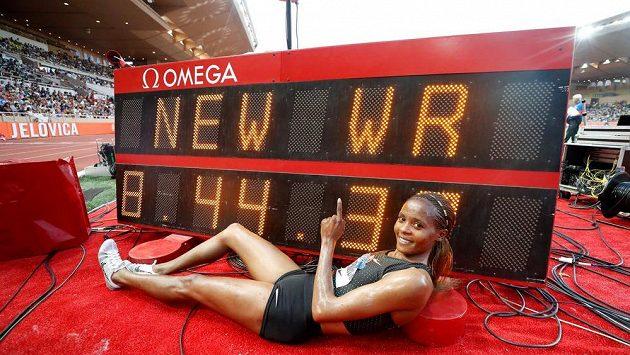 Beatrice Chepkoechová z Keni vytvořila na Diamantové lize v Monaku světový rekord v běhu na 3000 metrů překážek.