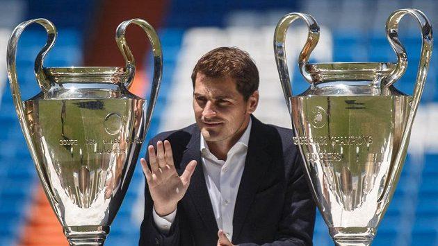 Brankář Iker Casillas dává Realu sbohem.
