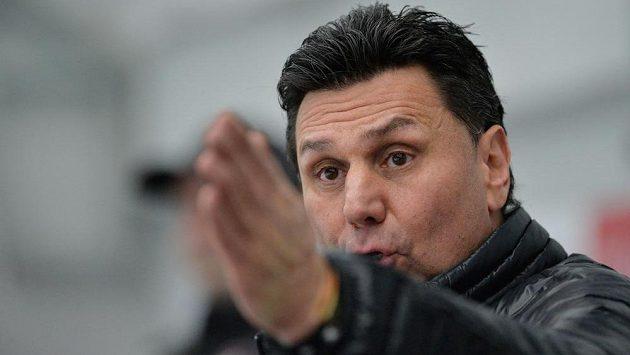 Trenér hokejistů Chomutova Vladimír Růžička