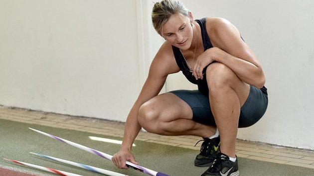 Oštěpařka Barbora Špotáková se ve sportovním centru Nymburk připravuje na MS 2015 v Pekingu.