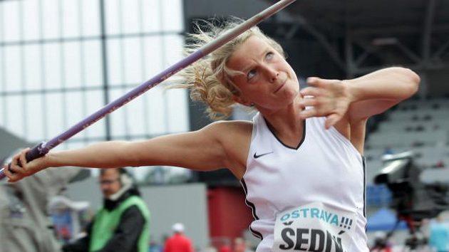 Oštěpařka Irena Šedivá při Zlaté tretře.