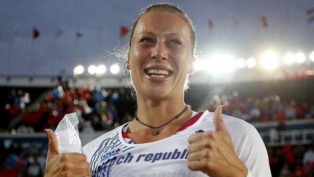 Je jednička! Tyčkařka Jiřina Ptáčníková na mistrovství Evropy přemožitelku nenašla a odnesla si zlatou medaili.
