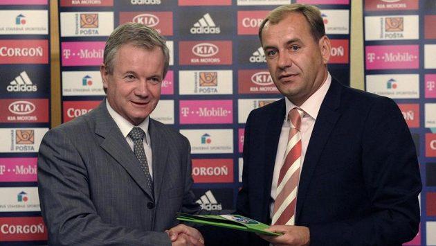František Laurinec (vlevo) s bývalým koučem slovenského národního týmu Vladimírem Weissem.