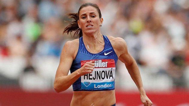 Česká atletka Zuzana Hejnová v závodě Diamantové ligy v Londýně.