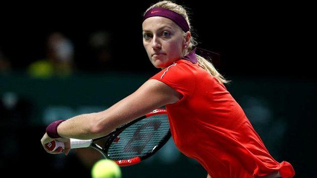 Petra Kvitová při utkání s Karolínovu Plíškovou v Singapuru.
