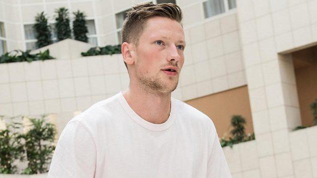 Hokejový obránce Andrej Šustr.