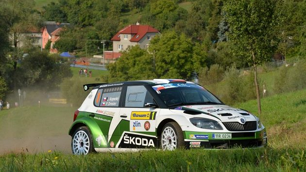 Jan Kopecký se Škodou Fabia S2000 na trati Barum rallye. Archivní foto.