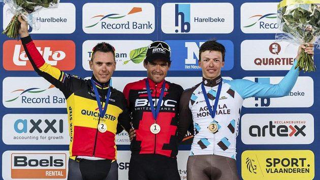 Belgický cyklista Philippe Gilbert ze stáje Quick-Step Floors Team skončil na nedávných závodech v Harelbeke druhý. Teď ale vyhrál na domácích silnicích cyklistický závod Tři dny de Panne-Koksijde.