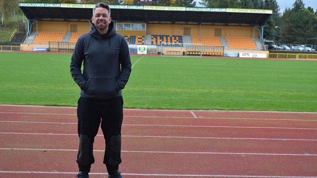 Trenér Sokolova a nedávná ikona Plzně Pavel Horváth na startu druhé ligy moc důvodů k úsměvu neměl.