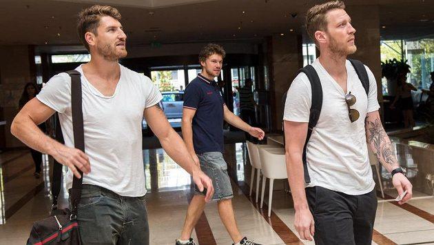 Jakub Nakládal (vlevo) a Aleš Hemský na srazu hokejové reprezentace před Světovým pohárem v prážském hotelu Hilton.