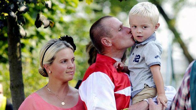 Jaroslav Myška s manželkou (a trenérkou koní) Štěpánkou a synem.