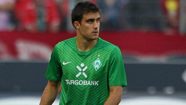 Obránce Sokratis Papastathopulos posílí finalistu letošního ročníku Ligy mistrů Borussii Dortmund.