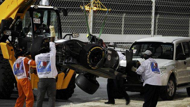 Vůz Mexičana Estebana Gutiérreze po havárii v Bahrajnu.