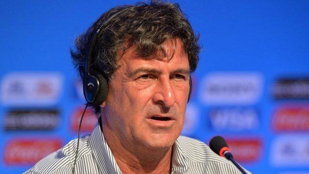 Legendární argentinský fotbalový útočník Mario Kempes na loňské tiskové konferenci v Brazílii.