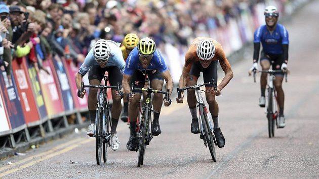 Ital Matteo Trentin byl nejrychlejší ve finiši ME v Glasgow.