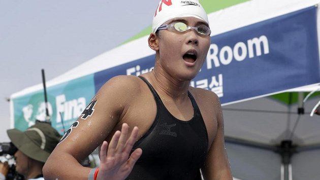 Číňanka Sin Sin se stala mistryní světa v dálkovém plavání na 10 km.