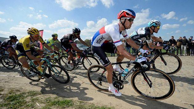 Zdeněk Štybar z týmu Ettix - Quick-Step závodě Paříž-Roubaix