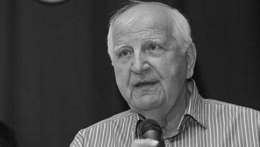 Ve věku 77 let zemřel v noci na 16. února 2021 bývalý novinář a dlouholetý šéf sportovní redakce České televize Otakar Černý.
