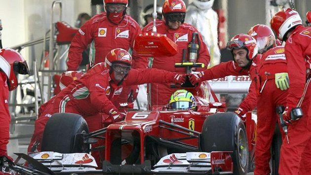 Felipe Massa zůstává ve Ferrari