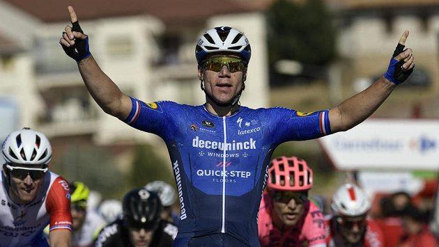 Nizozemec Fabio Jakobsen si ve čtvrté etapě dojel pro první velké vítězství od loňské hrozivé nehody.