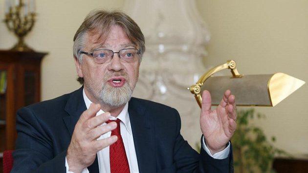 Ministr školství Stanislav Štech.