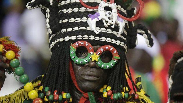 Fanoušci Kamerunu slaví postup...