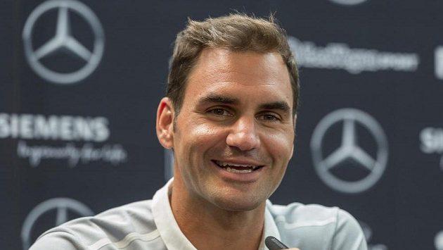Roger Federer na tiskové konferenci před turnajem ve Stuttgartu.