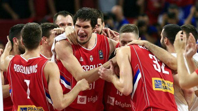 RAdost srbských basketbalistů z postupu do finále ME.