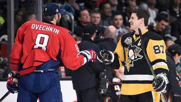 Alexander Ovečkin a Sidney Crosby během letošního Utkání hvězd.