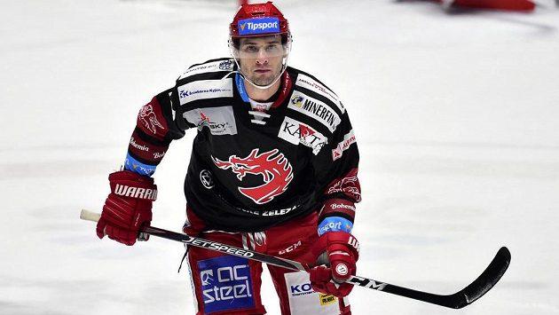 Třinecký hrdina Wojciech Wolski řádil na pardubickém ledě.