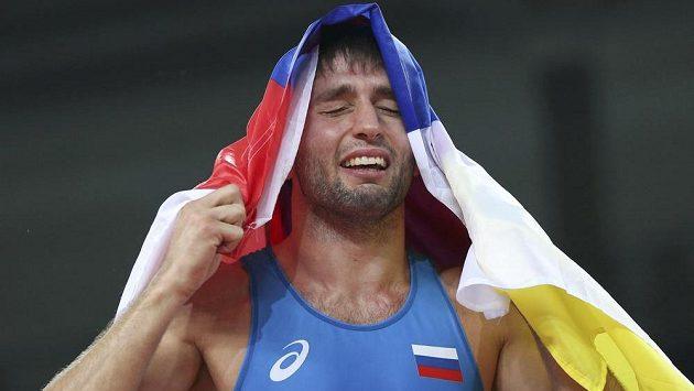 Ruský zápasník ve volném stylu Soslan Ramonov vyhrál na olympijských hrách v Riu de Janeiro kategorii do 65 kg.