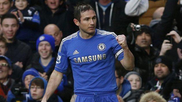 Kapitán Chelsea Frank Lampard se raduje ze své branky do sítě West Hamu.