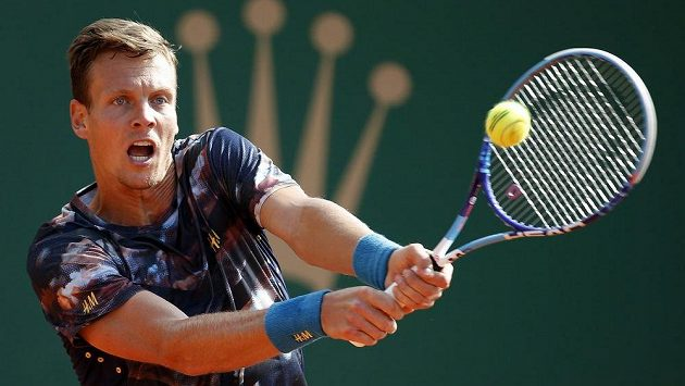Český tenista Tomáš Berdych ve svém úvodním utkání na turnaji v Monaku.