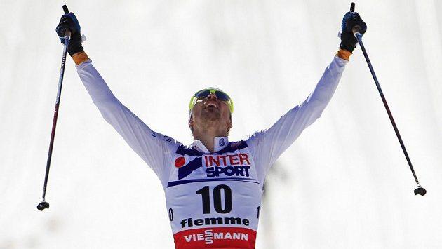 Švédský běžec na lyžích Johan Olsson ovládl na mistrovství světa ve Val di Fiemme závod na padesát kilometrů klasickou technikou.