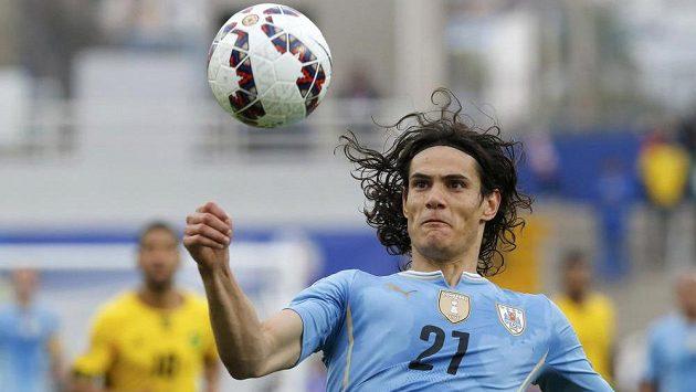Uruguayský fotbalista Edinson Cavani se zřejmě vydá do vlasti, jeho otec je ve velkém průšvihu.
