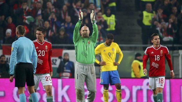 Gábor Király při loučení s reprezentací během zápasu Maďarsko - Švédsko.