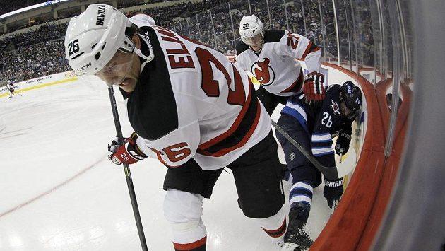 Patrik Eliáš (vpředu) se vrátí do sestavy Devils proti Vancouveru.