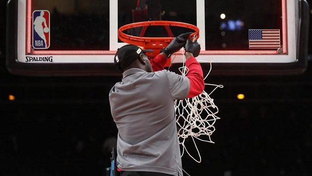 Basketbalová NBA přerušila sezonu. Jeden z hráčů Utahu, podle neoficiálních informací Francouz Rudy Gobert, byl pozitivně testován na koronavirus.