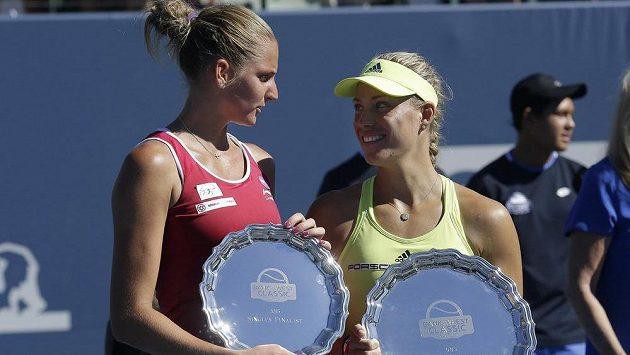 Angelique Kerberová (vpravo) letos i v druhé vzájemné finálové bitvě porazila Karolínu Plíškovou. Tentokrát Němka získala titul ve Stanfordu.
