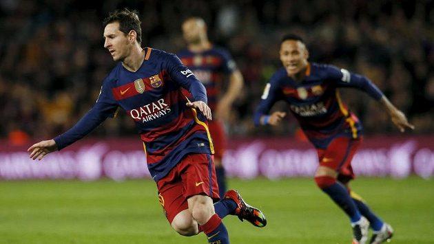 Lionel Messi z Barcelony slaví gól proti Celtě Vigo.