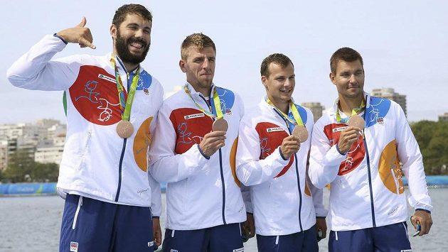 Zleva Josef Dostál, Lukáš Trefil, Daniel Havel a Jan Štěrba s bronzovou medailí.