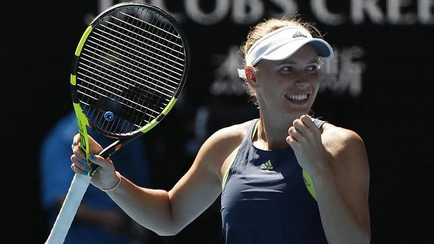 Caroline Wozniacká slaví vítězství v semifinále na Australian Open.